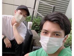 アレク、篠田麻里子の夫と2ショット