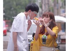 テレビ朝日・三谷紬アナが手つなぎデート、車内でキスする姿も
